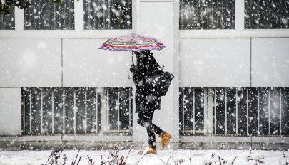 Az egész országra kiterjesztették a rossz időre vonatkozó figyelmeztetést