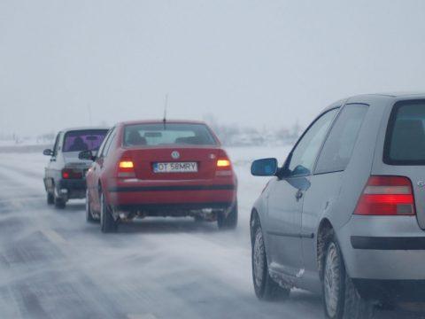Tizennégy megyében okozott károkat a kedvezőtlen időjárás