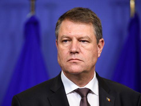Johannis: A kormány veszélybe sodorja az ország jövőjét