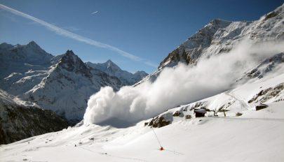 Négyes fokozatú lavinaveszélyre figyelmeztetnek a meteorológusok