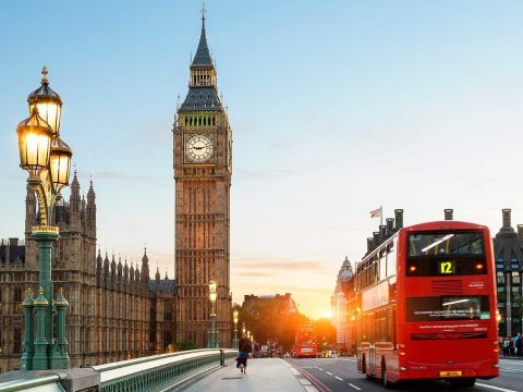 Szigorít Nagy-Britannia, nehezebb lesz külföldinek munkát vállalni