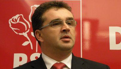 Oprişan: Kérem, adjanak ki egy amnesztiára és közkegyelemre vonatkozó rendeletet