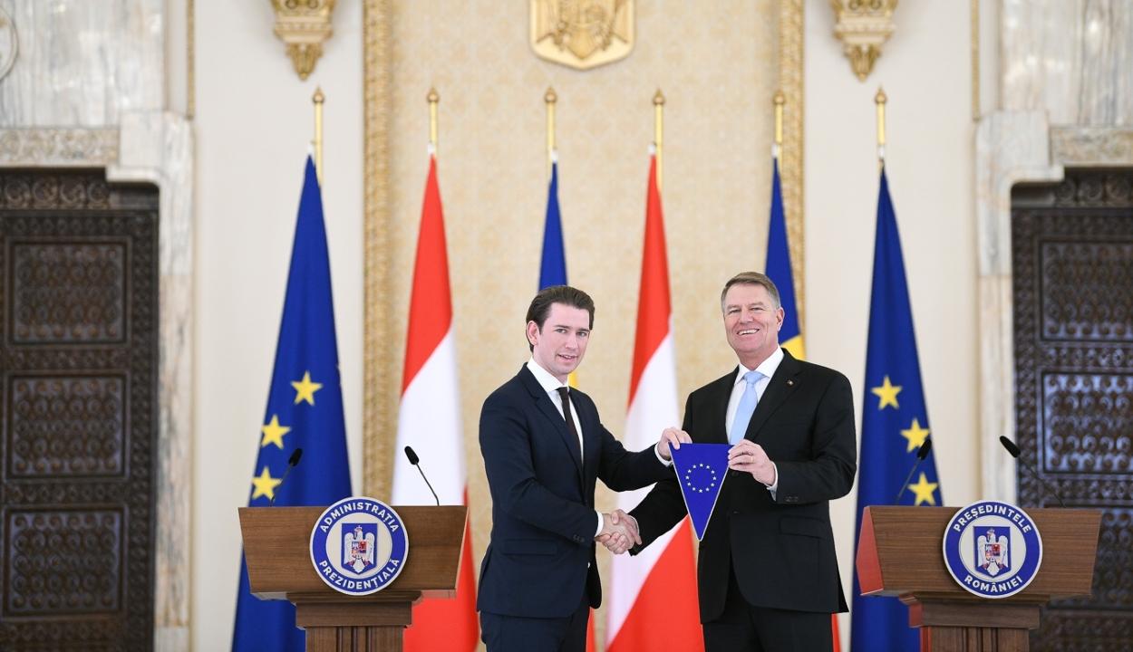 Jelképesen átvette az EU tanácsának soros elnökségét Klaus Johannis