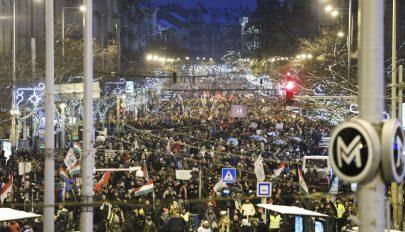 Vasárnap is tüntettek Budapesten