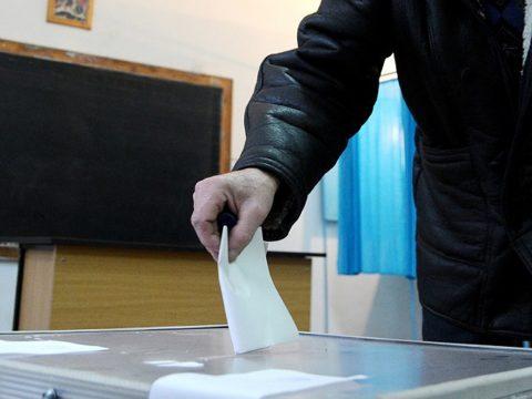 Felmérés: a PNL nyerné a parlamenti választásokat