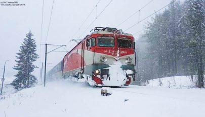 Több helyen elakadt a vasúti forgalom a havazás miatt az ország nyugati részében