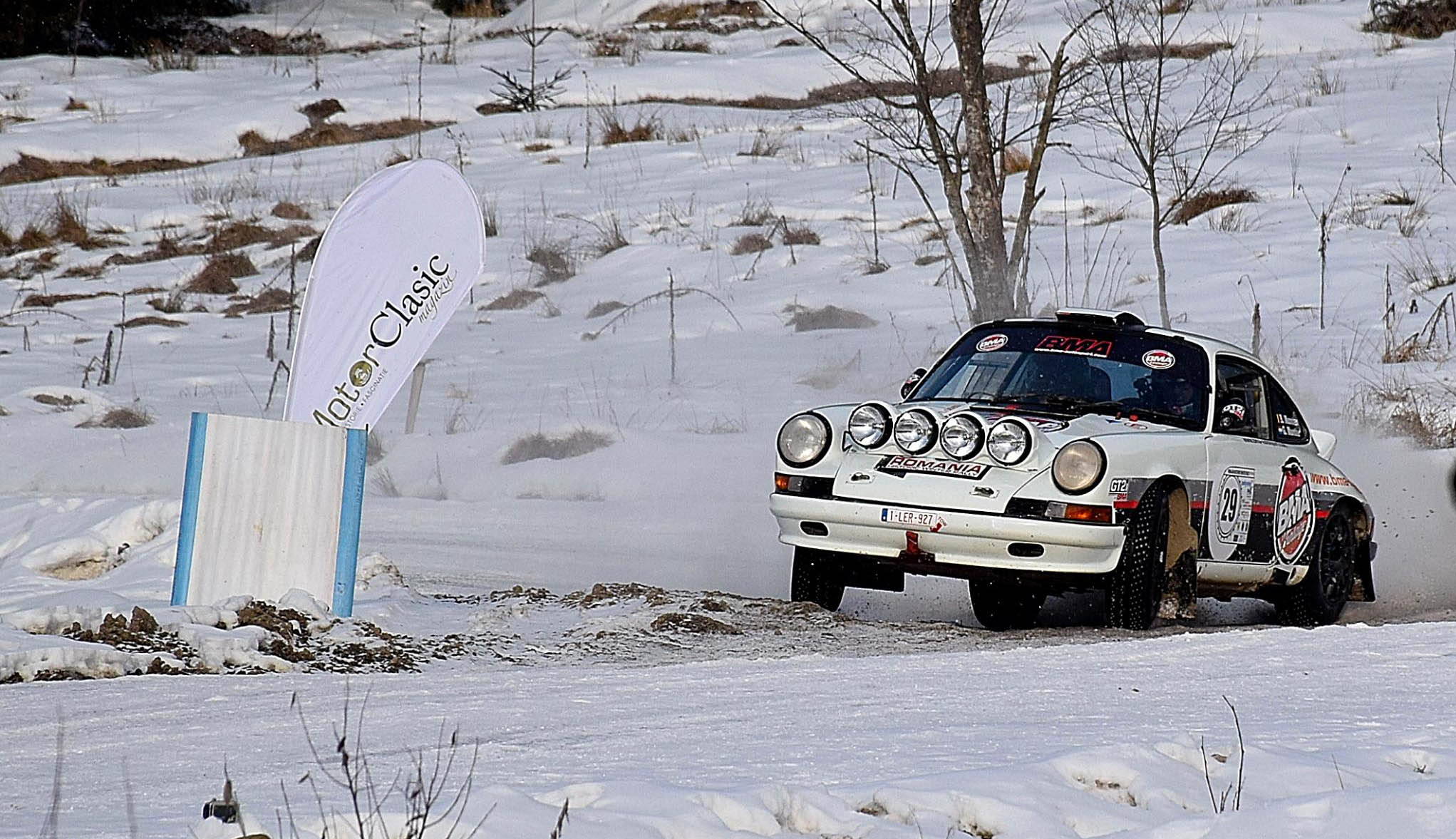 Autóklasszikusok a hóban