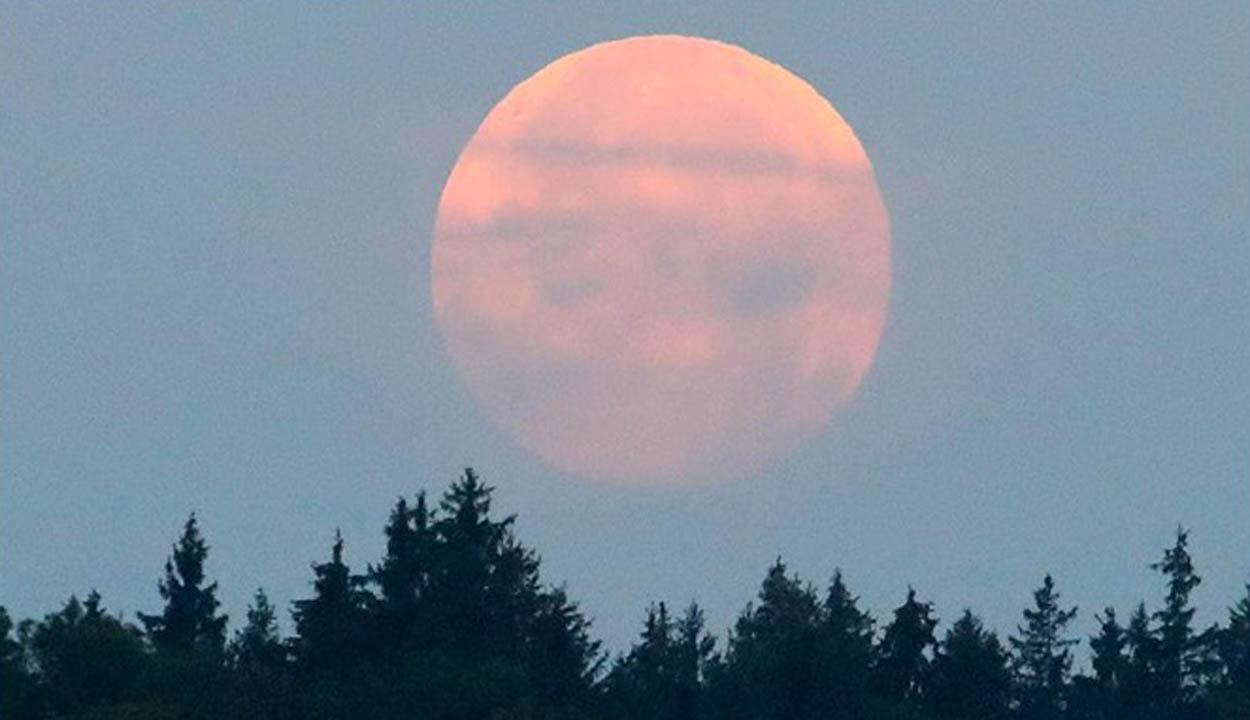 Újra vörös hold és szuperhold