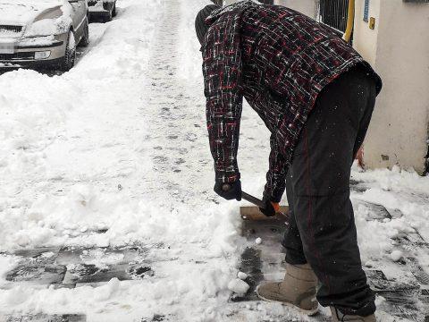 Büntetések havas, jeges járdákért