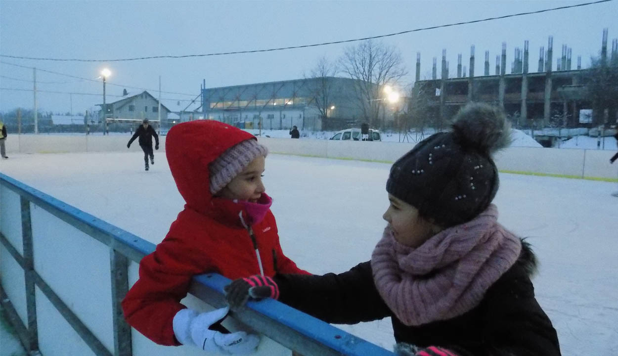 Nyílik a baróti korcsolyapálya