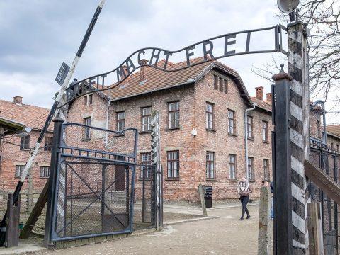 Kártérítésben részesülhetnek a romániai holokauszt-túlélők