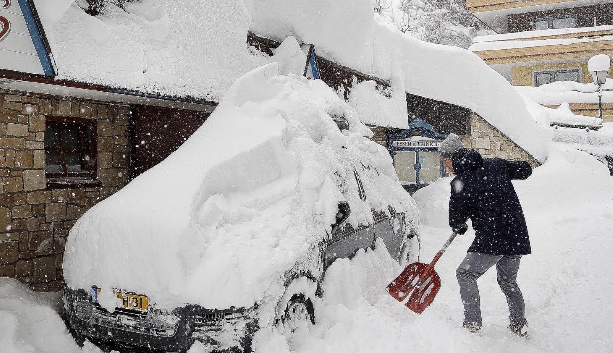 Utazási figyelmeztetés: Vörös riasztás van Ausztriában a hó miatt