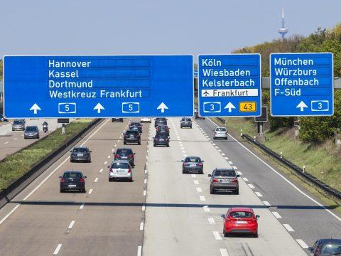 Továbbra sem várható sebességkorlátozás a német autópályákon