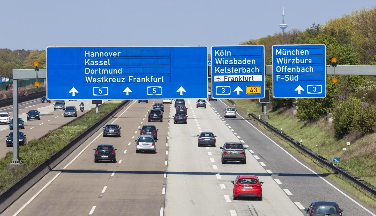 Európai Bíróság: uniós jogot sértenek a külföldieket sújtó német autópályadíjak
