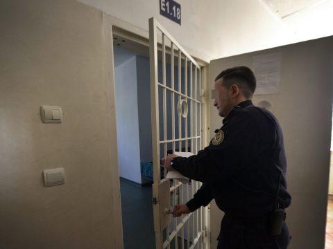 Több mint 15.000 elítélt akar élni szavazati jogával vasárnap