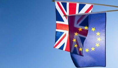 Több mint 140 ezer román állampolgár folyamodott új tartózkodási engedélyért Nagy-Britanniában