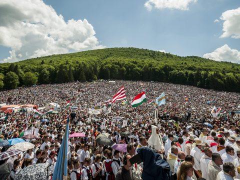 Jakubinyi érsek kiterjesztette a csíksomlyói búcsút a pápalátogatás napjára is