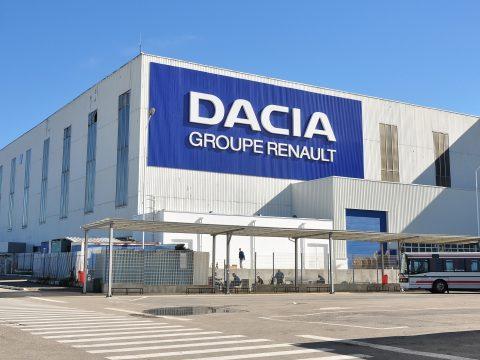Húsvét után fokozatosan újrakezdik a termelést a mioveni-i Dacia üzemben