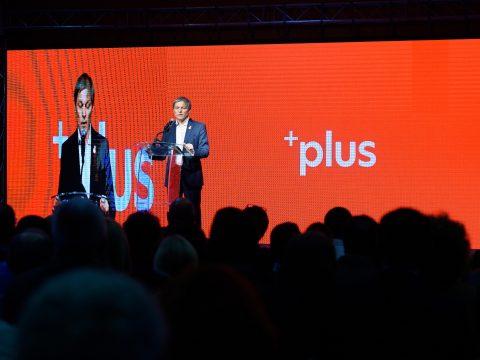 Dacian Cioloșt választották a PLUS párt elnökévé