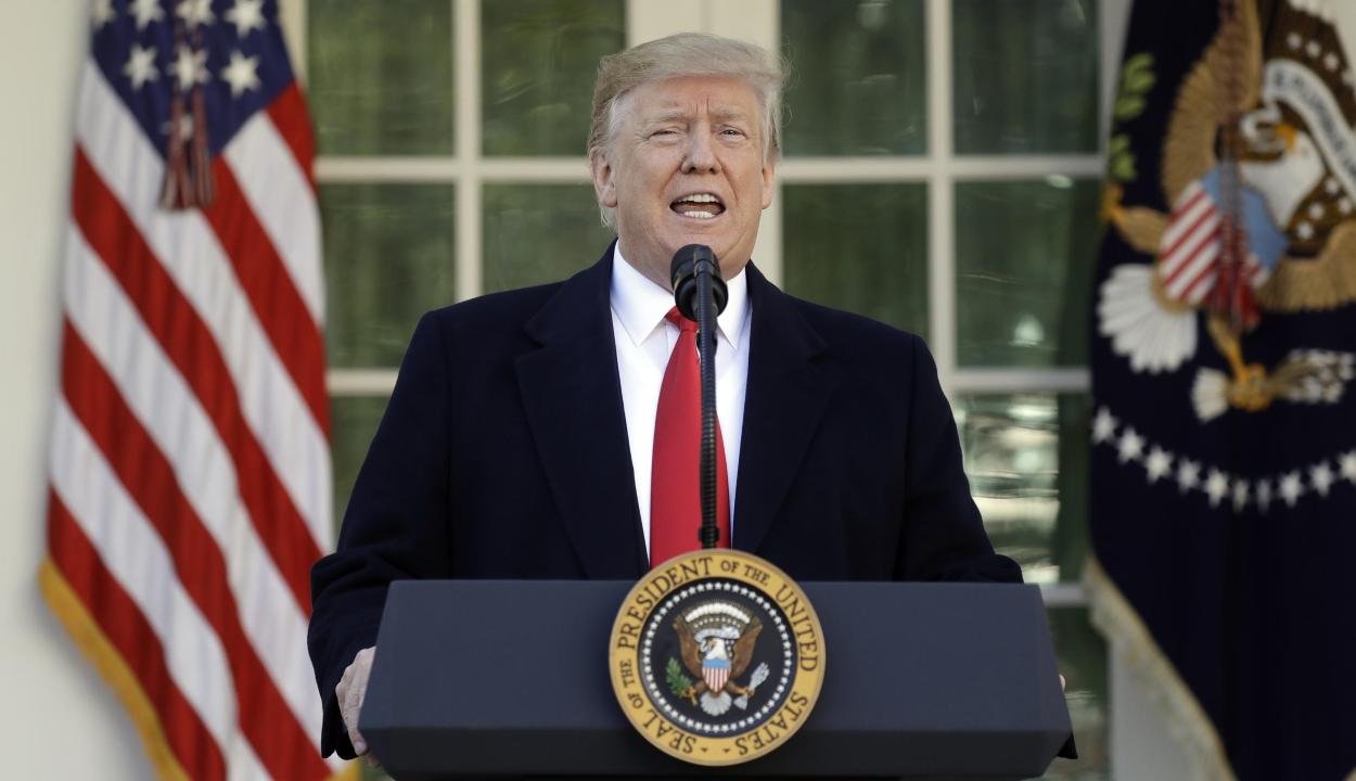 """Trump """"hazaküldte"""" a kormányt bíráló demokrata képviselőket"""