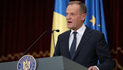Románul mondta el köszöntőbeszédét Donald Tusk Bukarestben