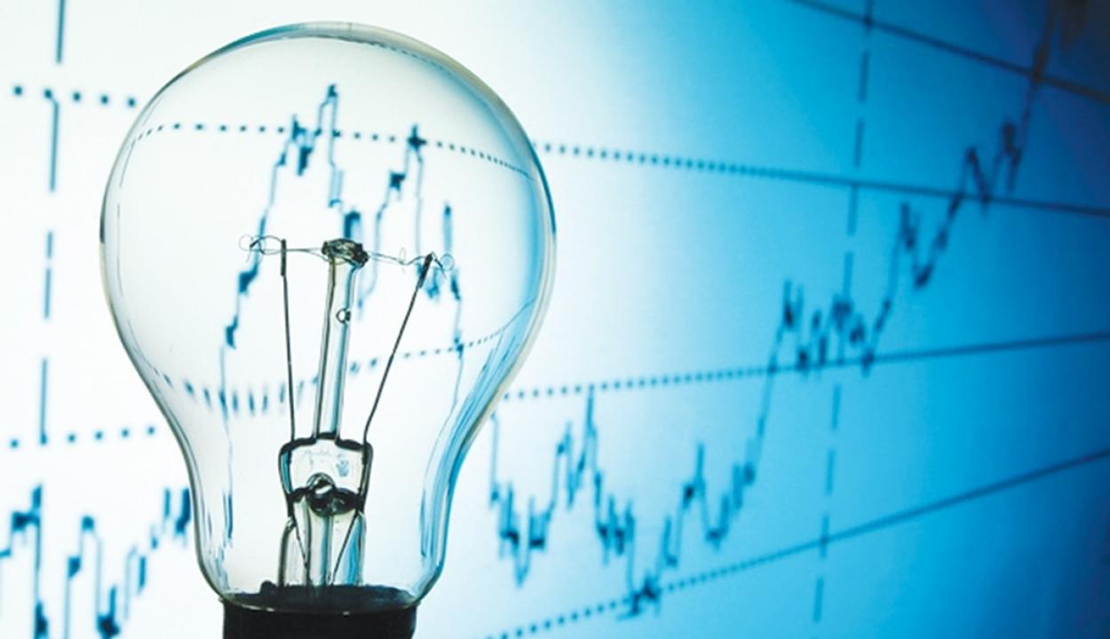Egy év alatt közel tíz százalékkal drágult Romániában a háztartási elektromos energia