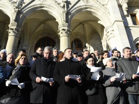Közös ellenállás mellett tettek fogadalmat a magyarországi ellenzéki képviselők