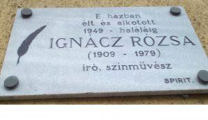 Az írónő Budapesten van eltemetve, ahol közúti balesetben hunyt el