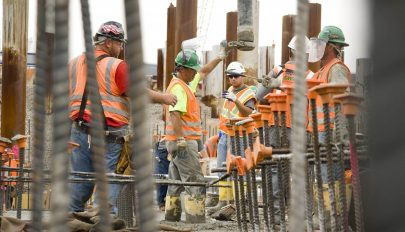 Nettó 2352 lejt keresnek ezután az építőiparban dolgozók