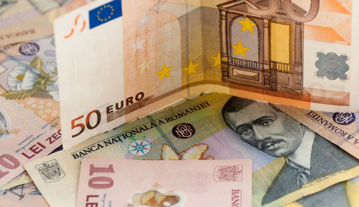 Átlépte a 4,8 lejes lélektani határt az euró árfolyama