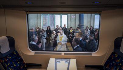 Zarándokvonat indul a csíksomlyói pápai misére