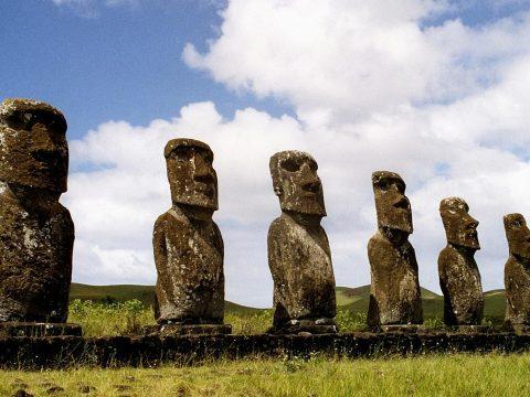 Megfejthették a Húsvét-szigetek óriási szoborfejeinek titkát