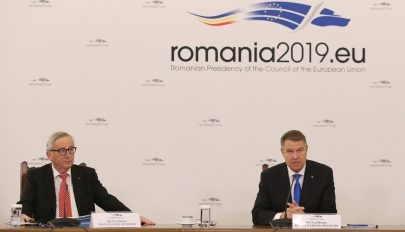 Juncker arra intette a román uniós elnökséget, ne exportálja belső konfliktusait