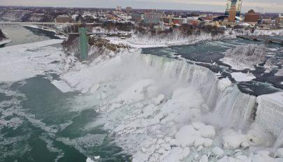 Öt év után ismét befagyott a Niagara-vízesés