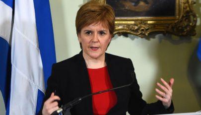 Skócia kiléphet az Egyesült Királyságból, ha nem lesz újabb népszavazás a Brexitről