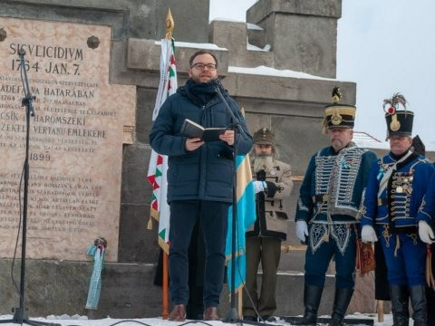 Miniszterelnökségi államtitkár: egyetlen birodalom se tekintheti másodrangú állampolgároknak a magyarokat