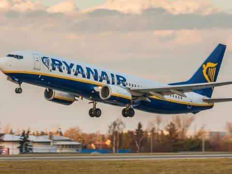 Füstben fuldokoltak egy Bukarestből indult repülőgép utasai