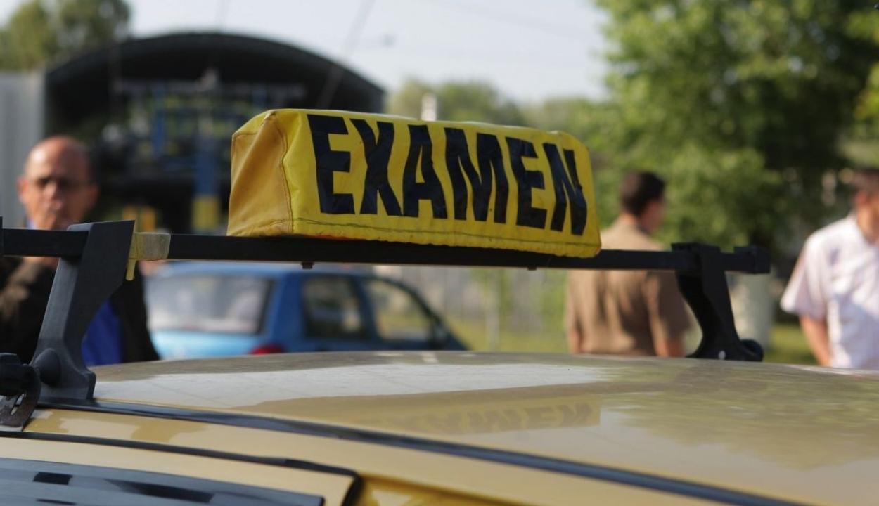 Halomra buknak a romániaiak a sofőrvizsgán