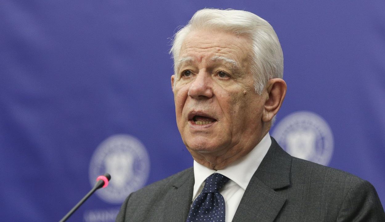 Alkotmányellenesen választották Teodor Meleşcanut a szenátus élére
