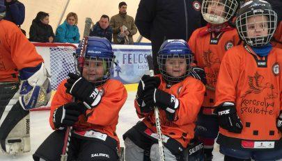 2400 gyerek tanult meg korcsolyázni