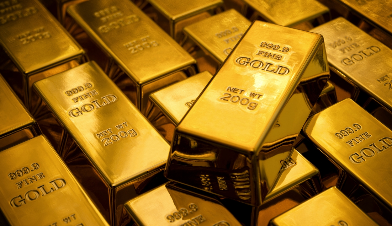 Ismét történelmi csúcsot ért el csütörtökön az arany árfolyama