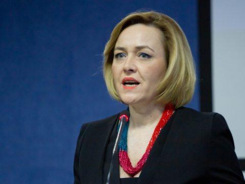 Források: kihallgatták Carmen Dan belügyminisztert a Tel Drum-ügyben
