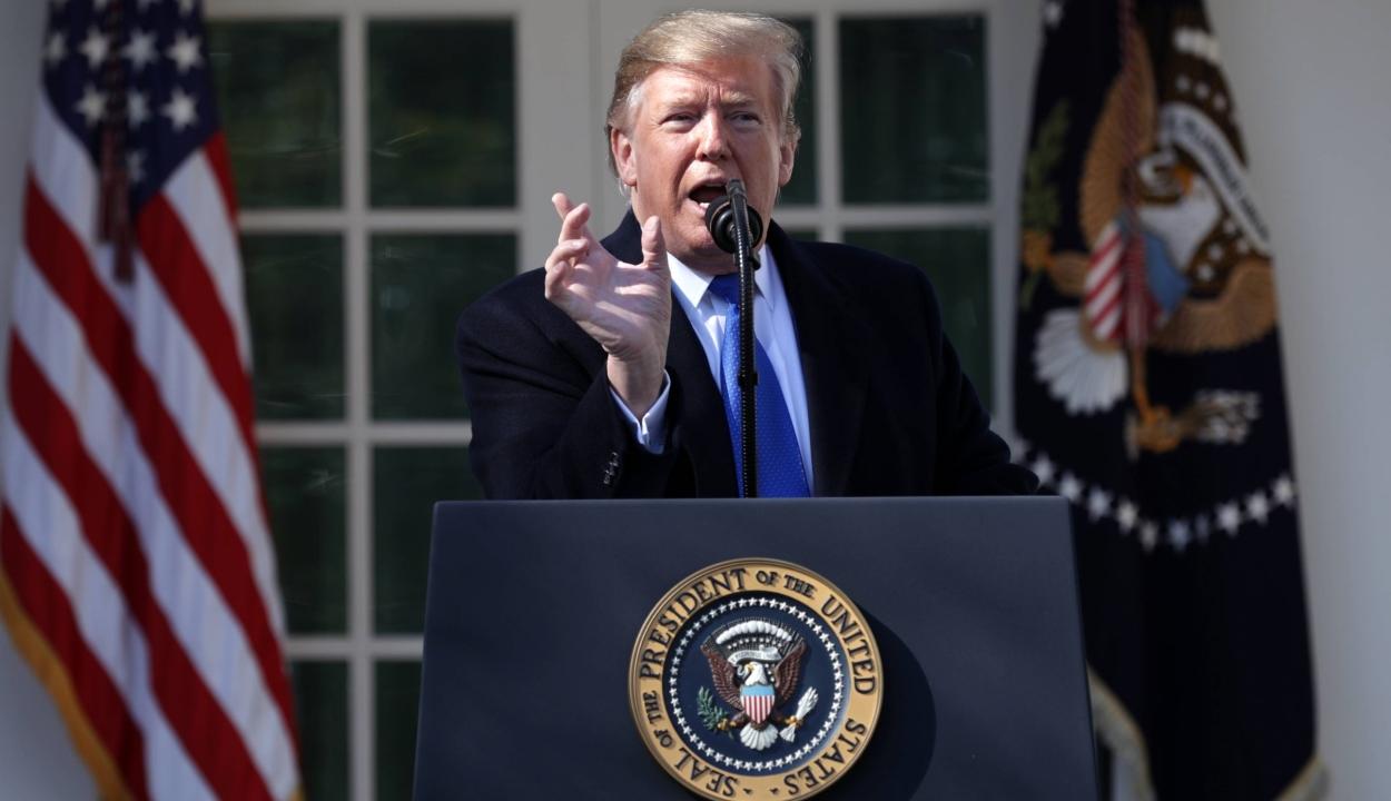 Rendkívüli állapotot hirdet ki Donald Trump