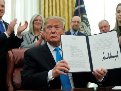 Trump: az Egyesült Államok ellenségei már a világűrben vannak