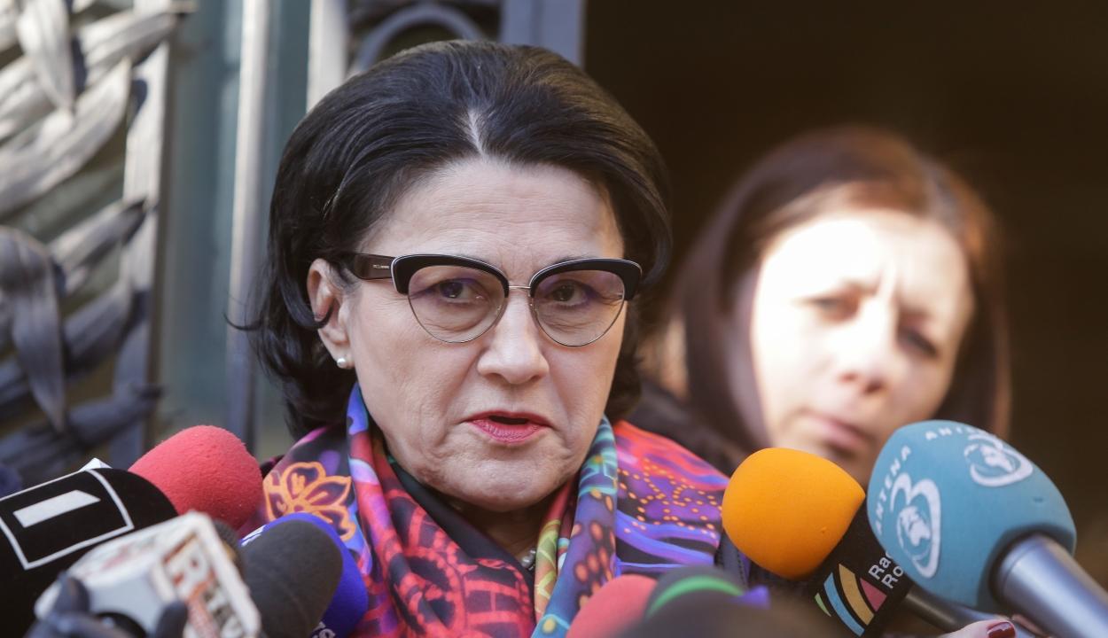 Andronescu: Szeptember 9-én kezdődik a következő tanév