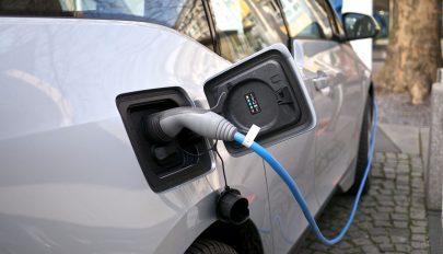 Rekordszámú elektromos autót adtak el tavaly Európában