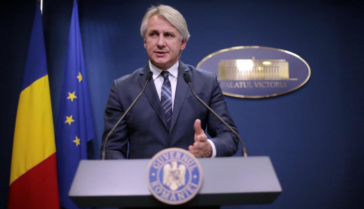 Pénzügyminiszter: nem vonulnak ki az országból a magánnyugdíj-járulékokat kezelő cégek