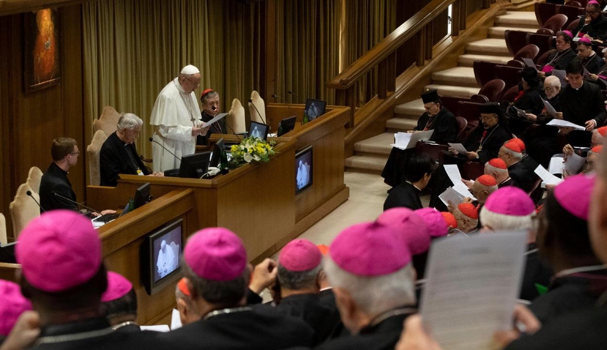 Ferenc pápa: Isten népe konkrét lépéseket vár a kiskorúak védelmében