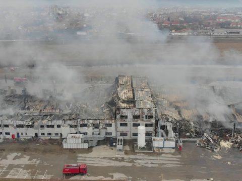 108 óra alatt sikerült teljesen eloltani a gyulafehérvári fűszergyárban kiütött tüzet