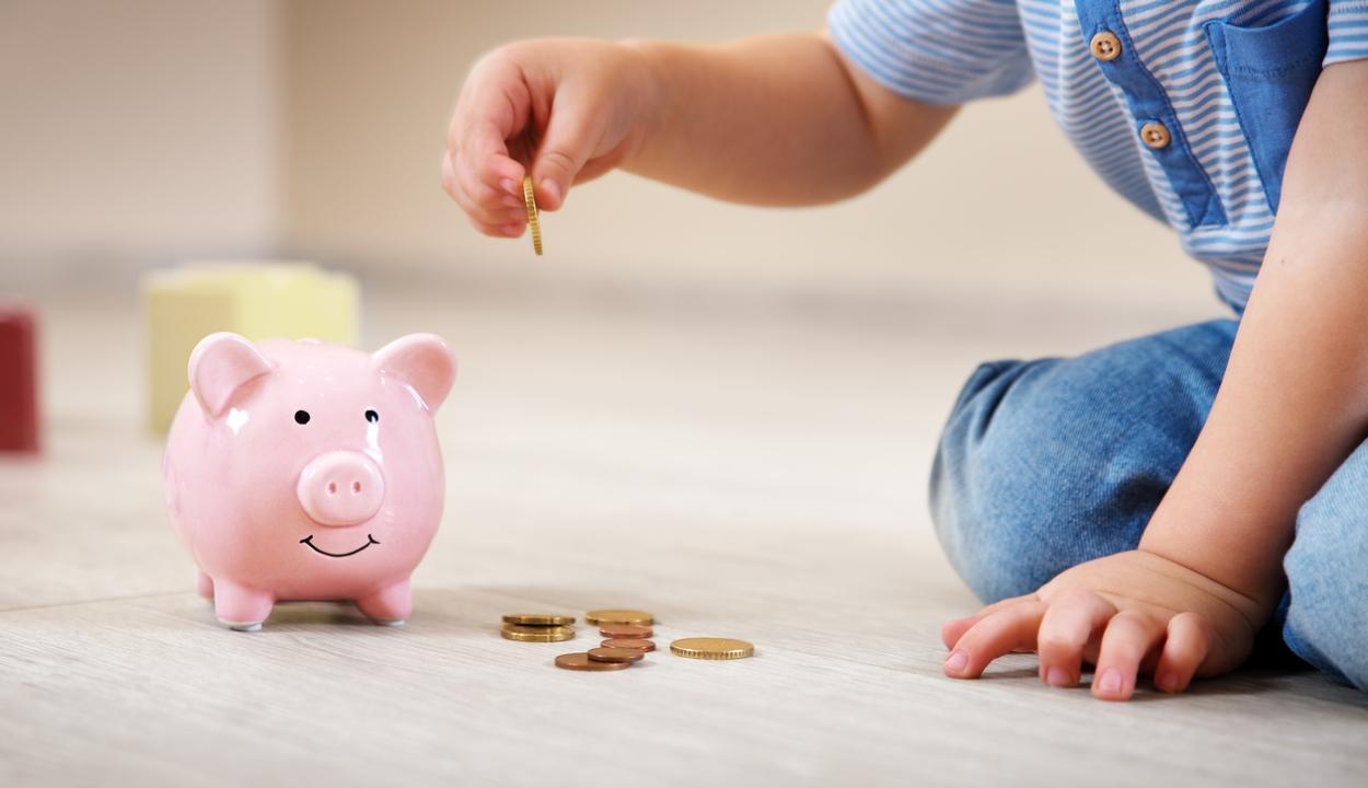 Február 1-jétől már az emelt összegű gyermekpénzt folyósítják